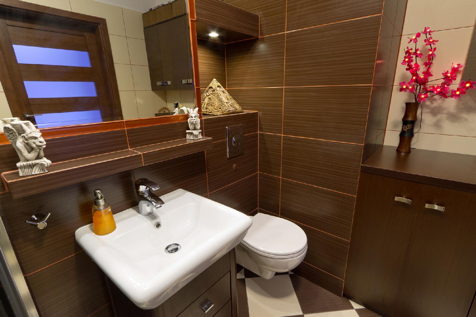 Капитальный ремонт квартир- укладка плитки