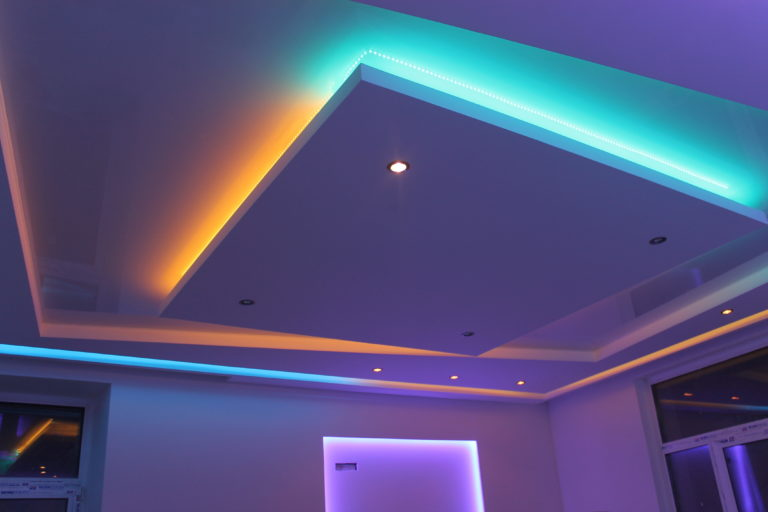 Как сделать подсветку на многоуровневый потолок